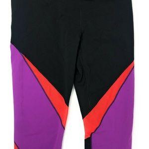 Nike Women's Legendary Tight Twist Printed Capris